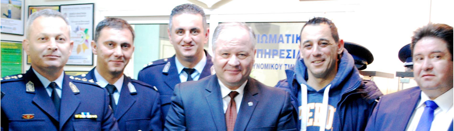 Επίσκεψη του κ. Αρχηγού στο γραφείο της ΙΡΑ Καρδίτσας